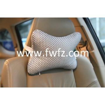 La almohada cervical en el coche
