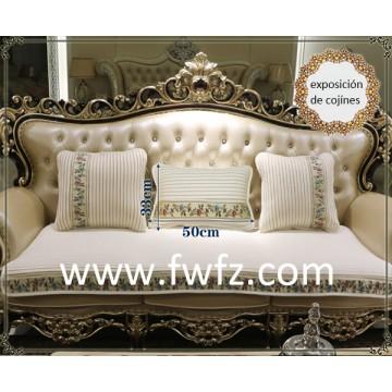 Cojínes y colchoneta lujosos de fresca tela de malla para un sofá